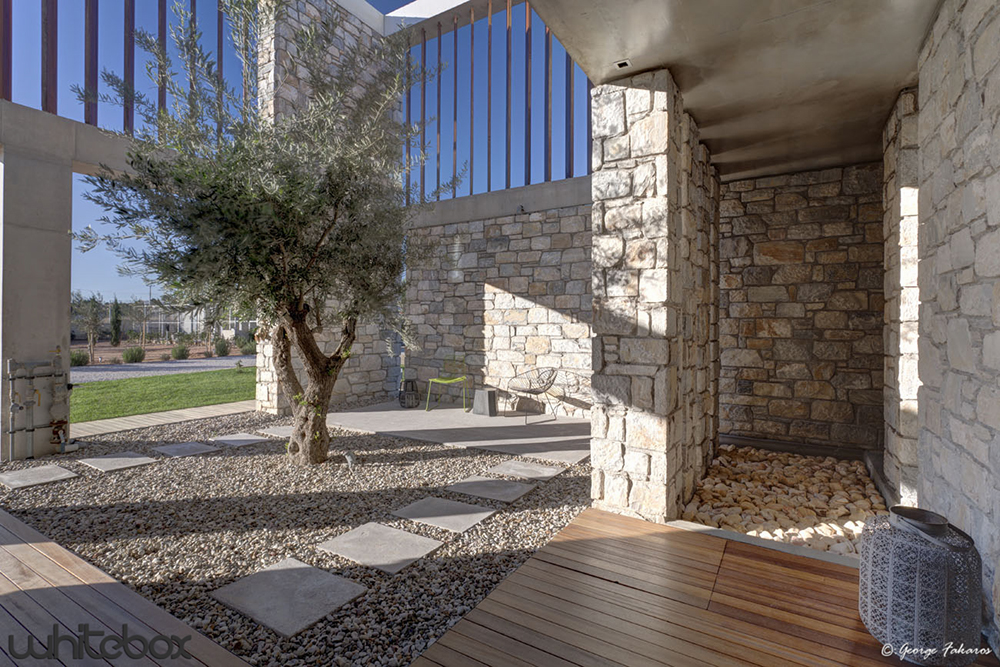 STONE HOUSE IN ANAVISSOS