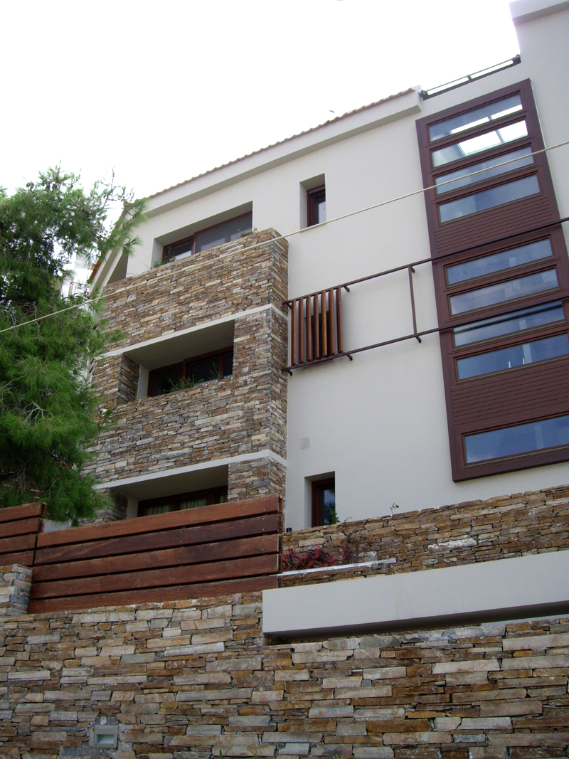 HOUSE IN VOULA